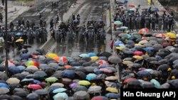 Противостояние с полицией в Гонконге. 1 июля 2019 года