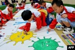 Детский рисунок на тему борьбы с коронавирусом, Китай