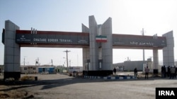 پایانه چذابه یکی از دو گذرگاه رسمیتردد اتباع ایرانی و عراقی در استان خوزستاناست.