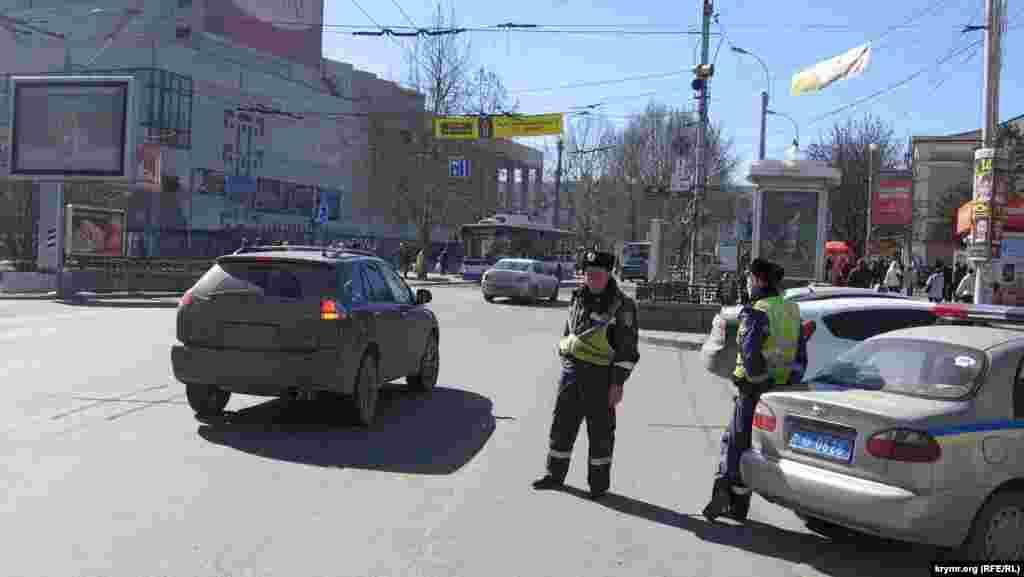 Рух проспектом Кірова відновили, даішники вже просто обслуговували мітинг