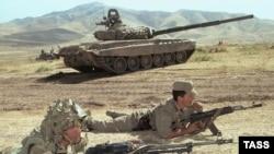 Военные учения в рамках ОДКБ. Таджикистан.