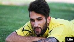 پیام صادقیان، فوتبالیست ایرانی خیلی زود مجبور به آویختن کفشهای ورزشی خود شد