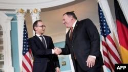 Ministri i Jashtëm i Gjermanisë Heiko Maas (majtas) dhe Sekretari i Shtetit i SHBA-së, Mike Pompeo, gjatë takimit në Uashington më 23 maj.