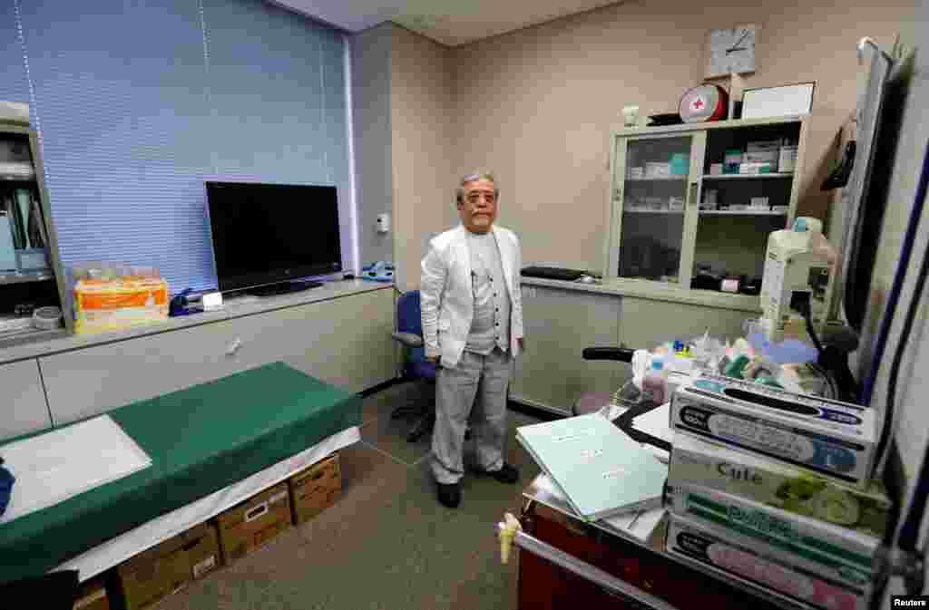 """""""Зона отчуждения"""" вокруг разрушенной станции составляет 20 километров. На фото – Южди Кимура, единственный врач в единственной больнице в Намиэ"""