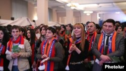Armenia - Supporters of President Serzh Sarkisian at an election campaign rally in Yerevan, 21Jan2013.
