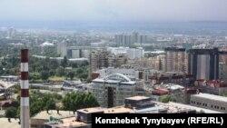 Алматы қаласының жоғарыдан көрінісі.