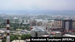 Алматы қаласының жоғарыдан көрінісі. (Көрнекі сурет).