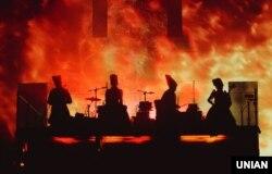 Гурт «ДахаБраха», який існує з 2004 року, за словами Макарова, здобув визнання за кордоном раніше, ніж в Україні