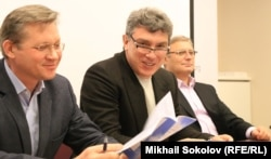 4 февраля 2014. Владимир Рыжков, Борис Немцов и Михаил Касьянов еще вместе
