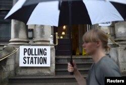بیش از ۴۶ میلیون نفر برای رایگیری ثبت نام کرده بودند؛ هوا بارانی بود، اما جلوی رفتن مردم پای صندوها را نگرفته است