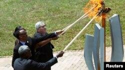 Ռուանդայում վառում են զոհերի ոգեկոչման հույսի կրակը, արխիվ
