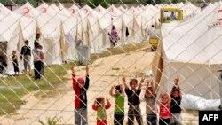 شمار پناهندگان سوری از زمان آغاز درگيری ها در اين کشور به ۲۳۵ هزار نفر رسيده است.