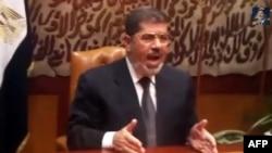 Çetleşdirilen prezident Mohamed Morsi