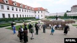 Валленштейнський палац у Празі, де працює Сенат Парламенту Чехії, архівне фото