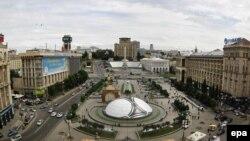 Чемпионатқа дайындалған Тәуелсіздік алаңы. Киев, 14 мамыр 2012 жыл.