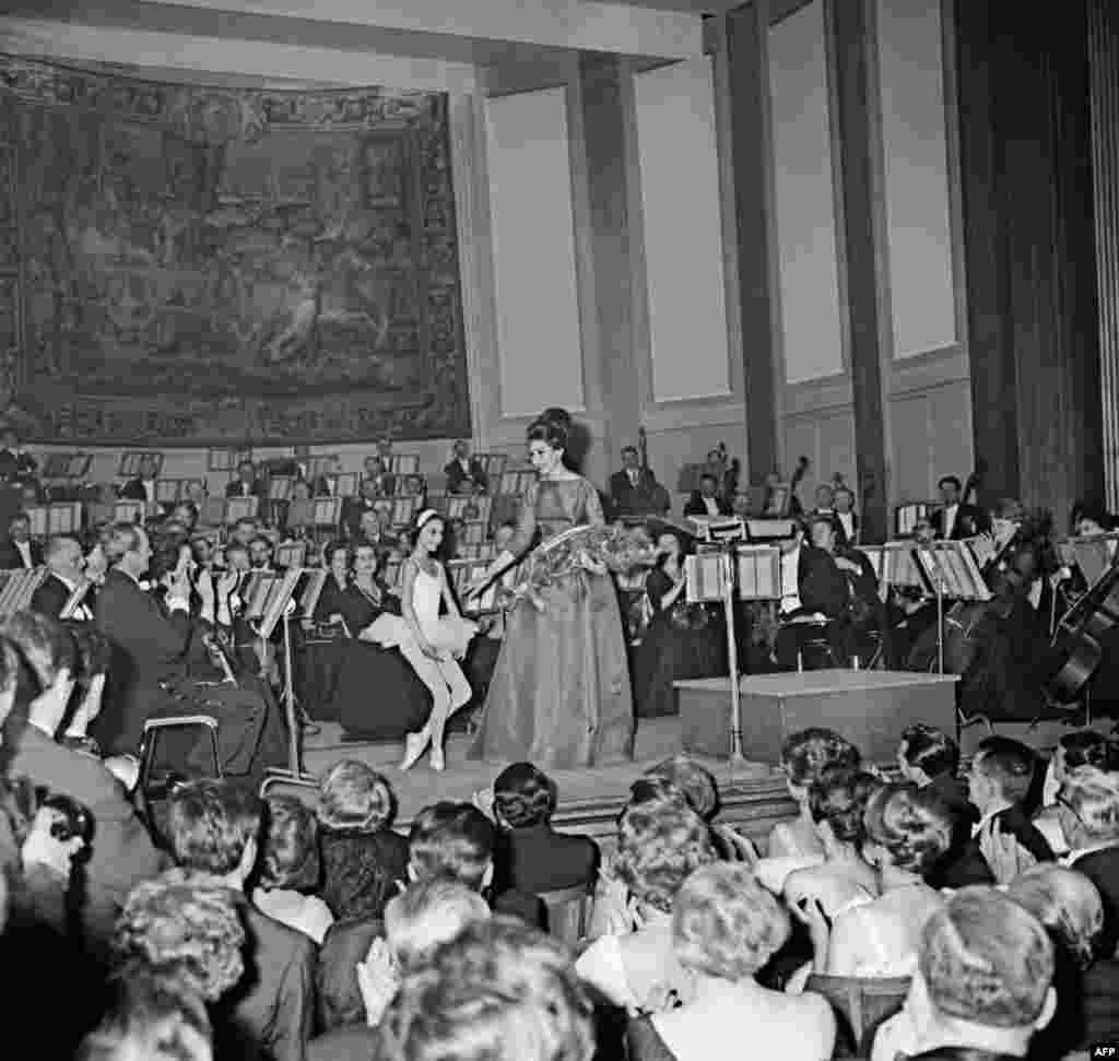 Callas singing at a charity gala for the Maltese Order hospital at the Champs Elysées theater in Paris on June 5, 1963