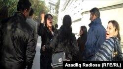 Bakıda tikinti şirkəti qarşısında etiraz, 10 noyabr 2010