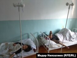 Госпитализированные из-за отравления дети.