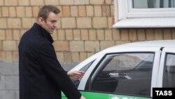 Алексей Навальный у здания Замоскворецкого суда