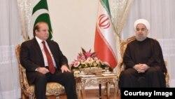 نواز شریف، نخستوزیر پاکستان (چپ) در دیدار با حسن روحانی رییس جمهوری اسلامی ایران.