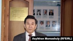 Кайдар Алдажуманов, сотрудник Института истории и этнологии имени Шокана Уалиханова. Алматы, 22 апреля 2014 года.