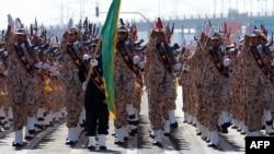 Իրան - Իսլամական հեղափոխության պահապանների կորպուսի զինծառայողները Թեհրանում զորահանդեսի ժամանակ, արխիվ