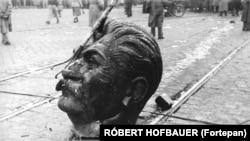 Sztálin ledöntött szobra, Budapest, 1956. október