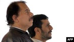 Iranian President Mahmud Ahmadinejad (right) with his Nicaraguan counterpart Daniel Ortega