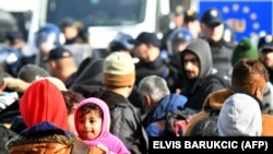 Izbjeglice i migranti na granici