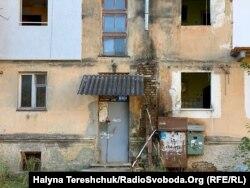 Без вікон і мешканців