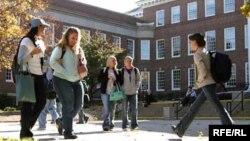 По данным разведки иностранные студенты приезжают в США не только, чтобы учиться, но и чтобы шпионить