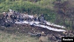 Остатоци од урнатиот израелски авион во Сирија.