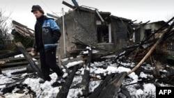 Зруйнований будинок у Донецьку, 9 грудня 2014 (ілюстраційне фото)