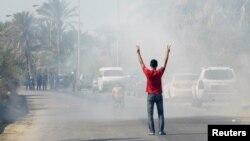 به رغم سرکوبها، اعتراضها در بحرین هر از چند گاهی از سر گرفته میشود- روستای «دراز» در غرب منامه، ۱۹ آبان ۱۳۹۱