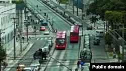 Бразилия урамнарында зур автобуслар