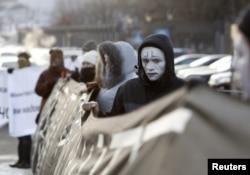 Гражданские активисты добиваются изменения политики по отношению к проблеме СПИД в России. Москва, декабрь 2010 года