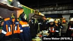 Выставка средств индивидуальной защиты и спецодежды на металлургическом комбинате «АрселорМиттал Темиртау». 28 апреля 2015 года.