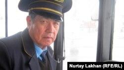 Водитель автобуса Онербек Мукаш.