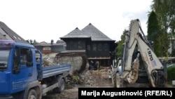 """Radovi na obnovi rodne kuće Ive Andrića, koja je pretvorena u Memorijalni muzej """"Rodna kuća Ive Andrića""""."""