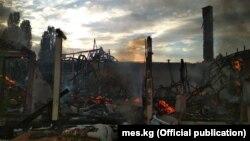 Последствия пожара в пансионате «Лагуна сити» на Иссык-Куле.