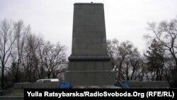 Пам'ятник Шевченкові на Монастирському острові зараз виглядає так