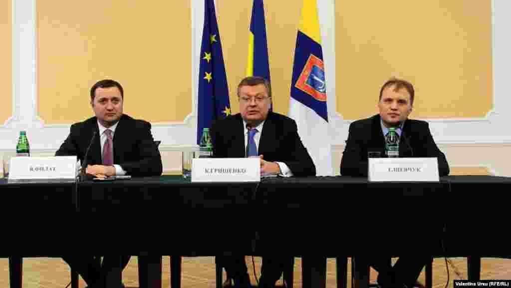 Moldova, Ukraine, Transdniestr, talks between Moldovan Prime Minister Vlad Filat & Transdinester separatist leader Evgeny Shevchuk, jan 26, 2012