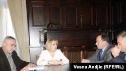 Slavica Đukić Dejanović sa predstavnicima opština sa severa Kosova, 6. mart 2012.