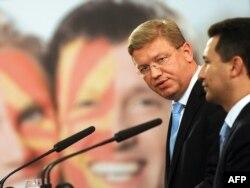 Критиките би требало да не девалвираат пред јавноста, вели премиерот Груевски во интервју за МИА.