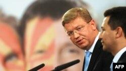 Еврокомесарот за проширување Штефан Филе и премиерот Никола Груевски