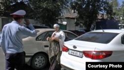 Гражданки Узбекистана были задержаны во время попрошайничества на улицах Алматы.