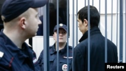 Аброр Азимов во время заседания суда. Апрель 2017-го.