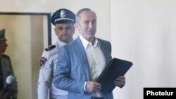 Второй президент Армении Роберт Кочарян в суде, Ереван, 15 мая 2019 г.