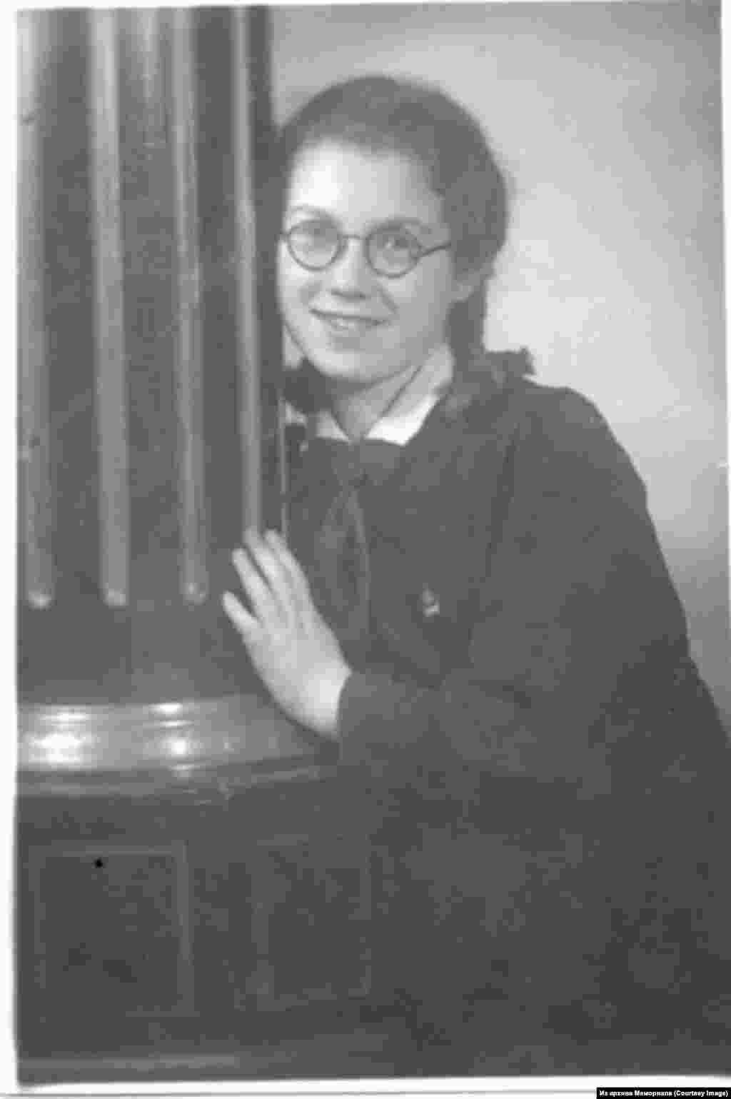 Наталья Горбаневская в 1948 году.