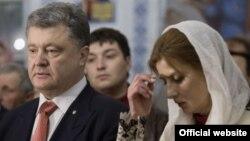 Президент України Петро Порошенко з дружиною у Великодню ніч, 1 травня 2016 року